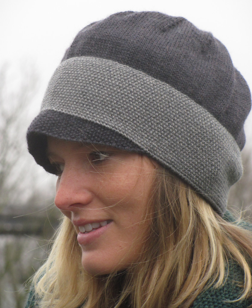 merino vintage button hat in two shades of grey